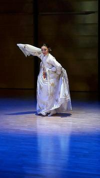 김문애교수 춤사위.png